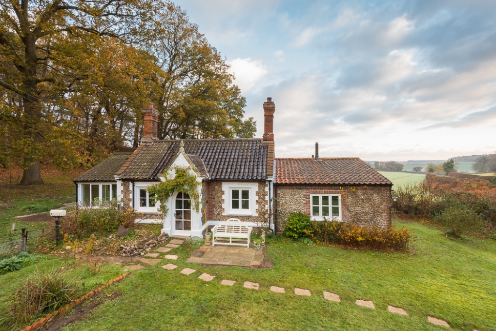 Holiday Property Photographer Norfolk-Holt and the Glaven Valley