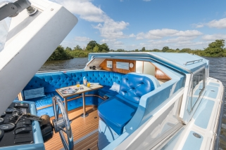 broads boating holiday images